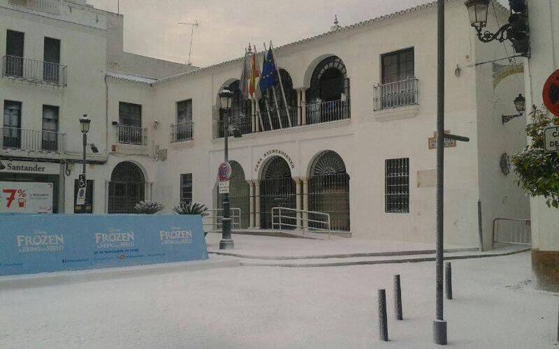 Disney cubre de nieve Sanlúcar la Mayor